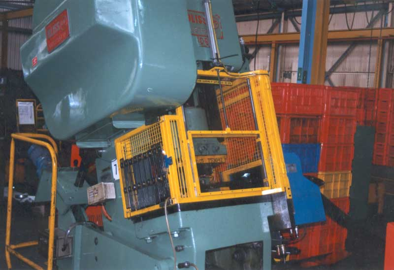 Fully Opening SafeInd Press Die Guard
